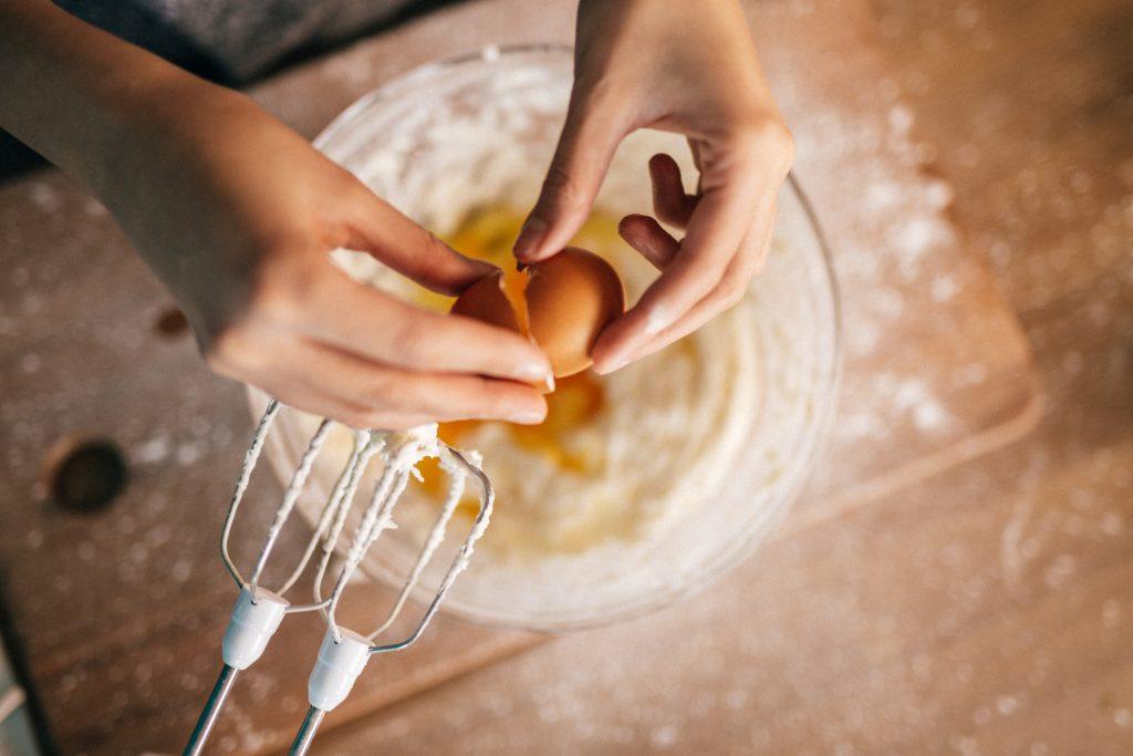 Egg legges i bolle