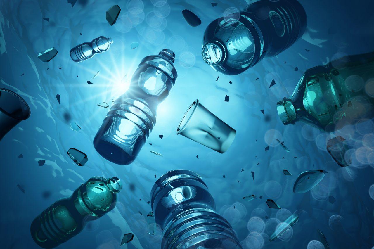3D illustrasjon av plast som flytter i åpent hav