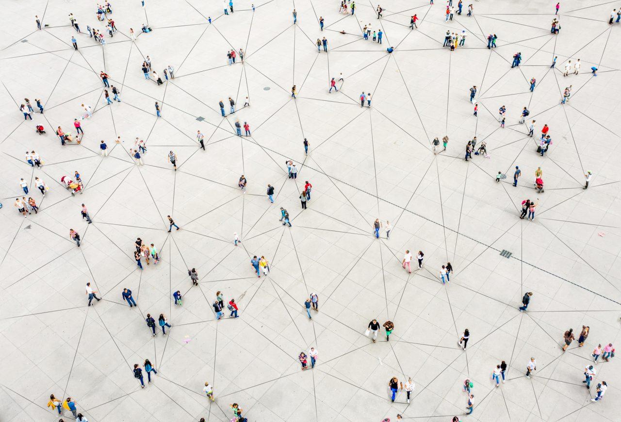 Flyfoto av en folkemengde