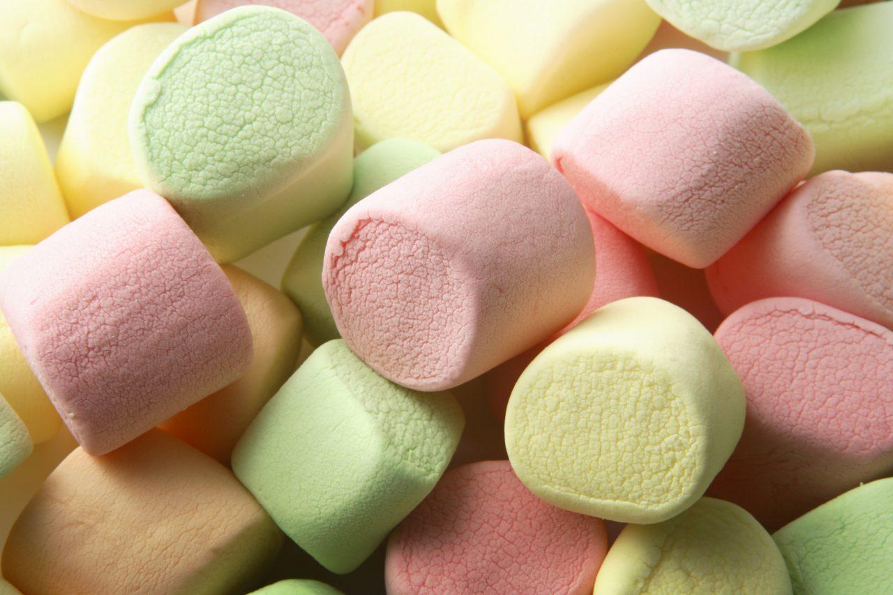 Marshmallows med forskjellige farger