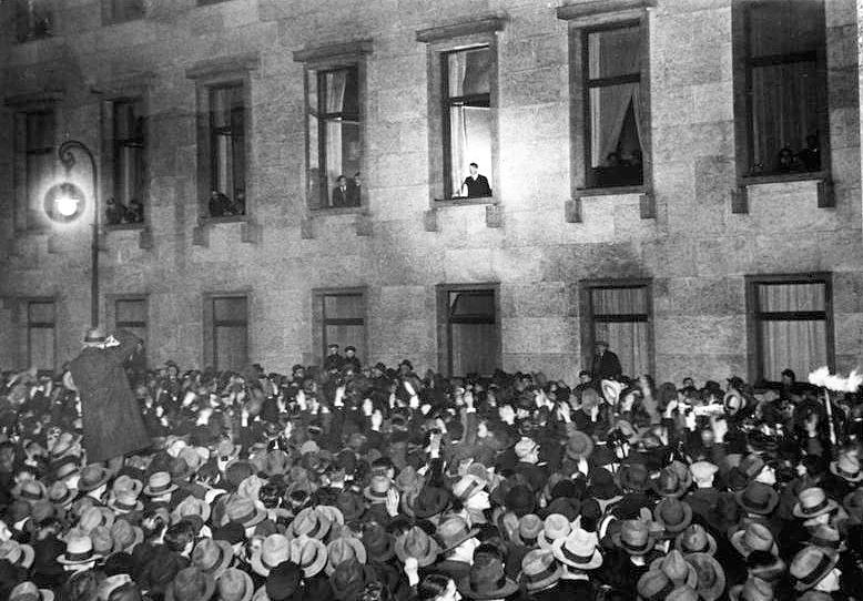 Hitler hylles som Rikskansler