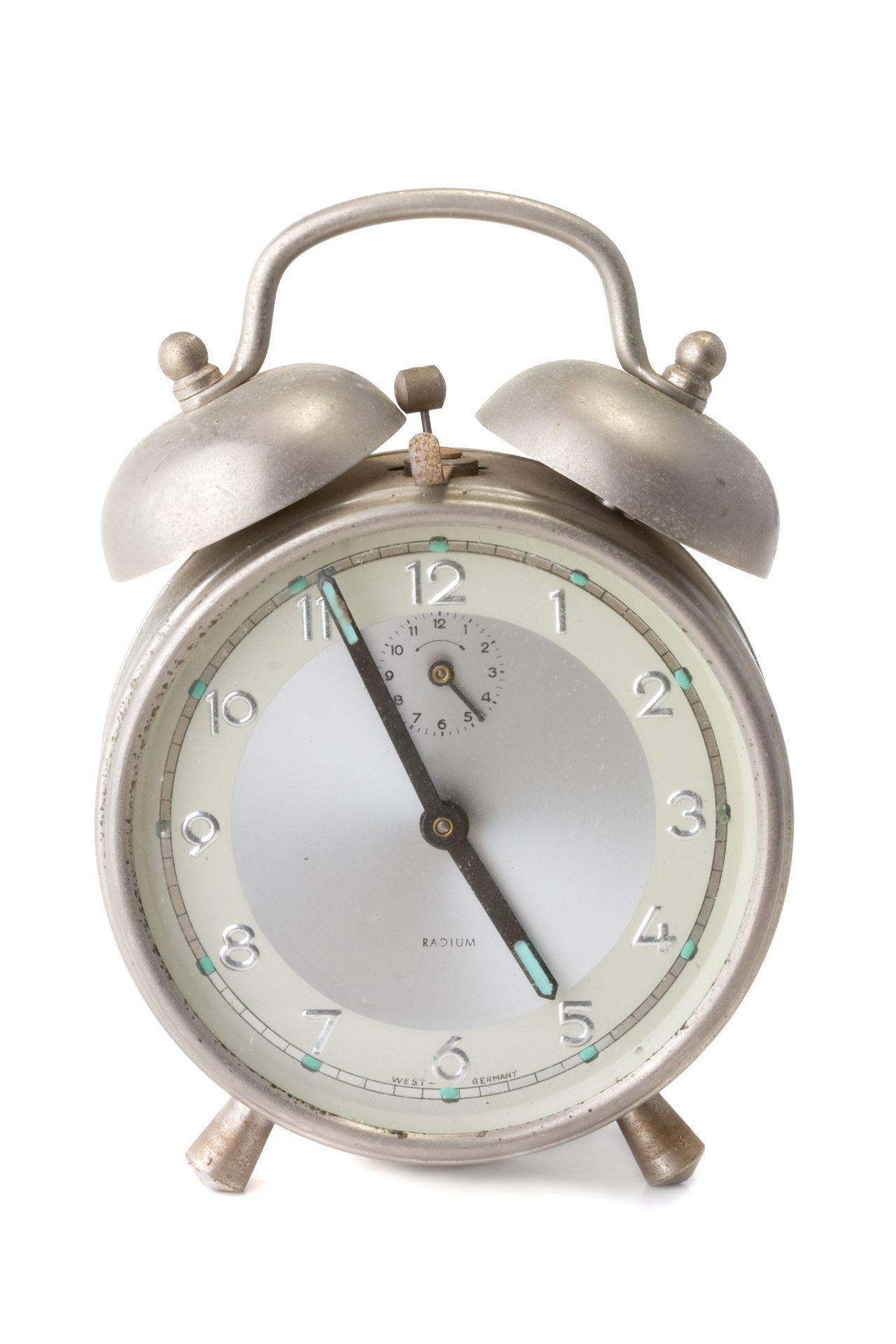 Gammel alarmklokke med radium