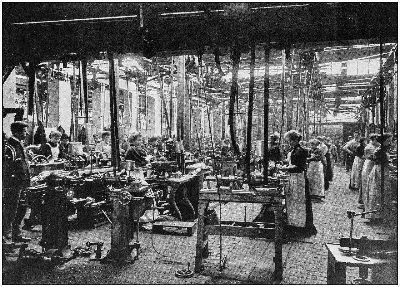 Kvinner jobber på fabrikk