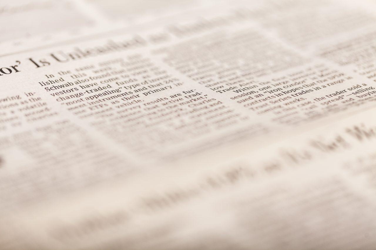 Nærbilde av en avis